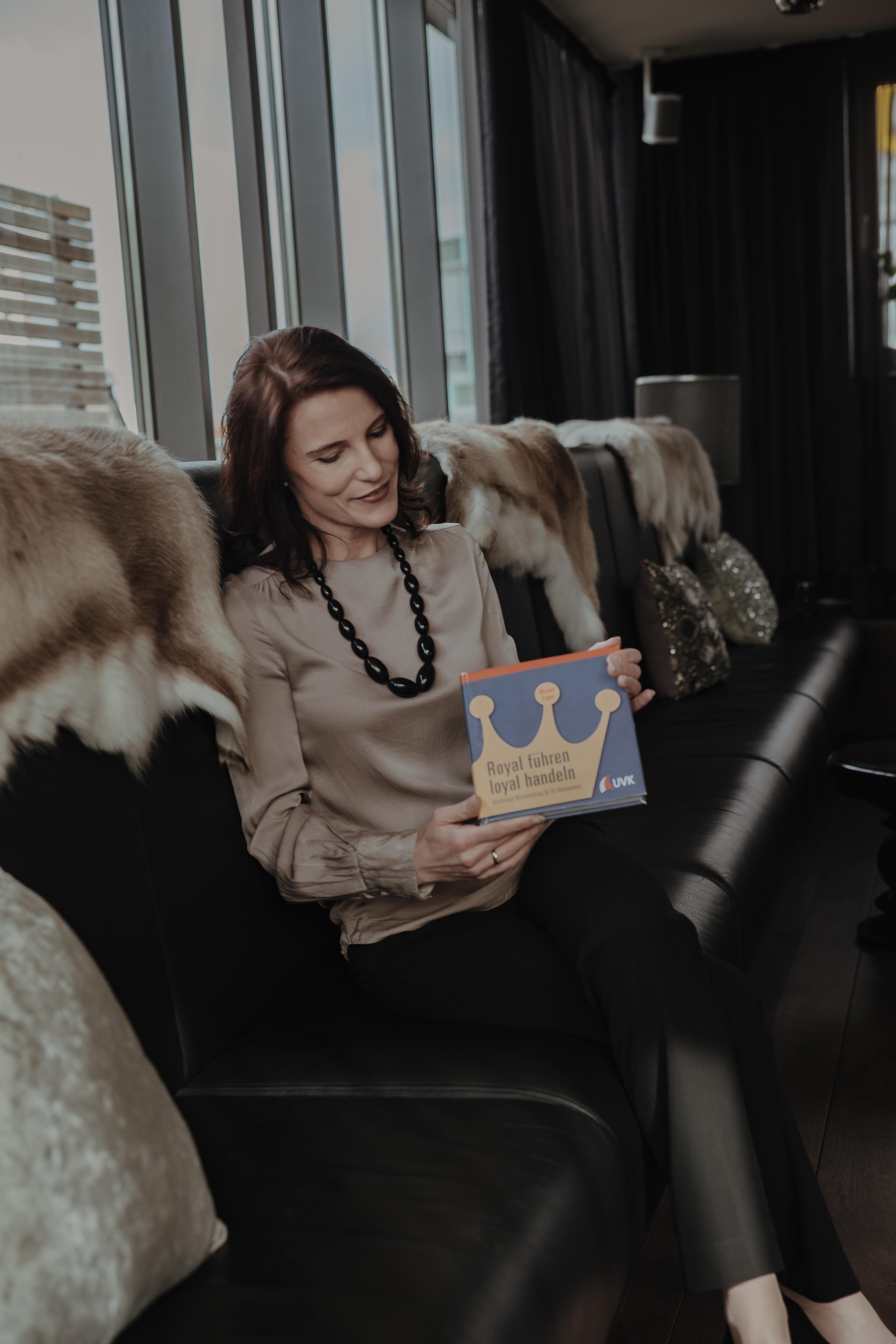 Miriam Engel veröffentlicht Fachbuch für Personalmanagement
