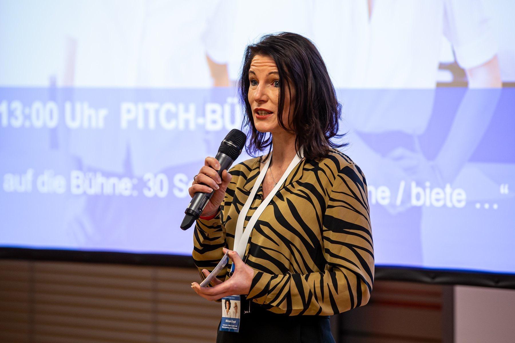 Spontaner Pitch beim Niedersächsischen Unternehmerinnenkongress